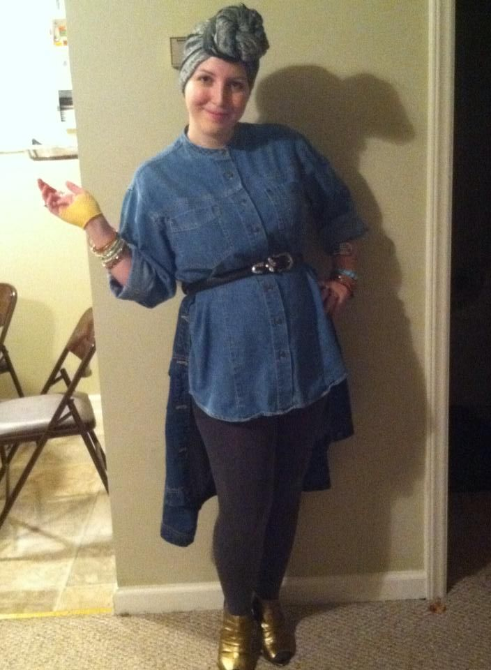 haley.solomon.37 channels her inner Effie Trinket and adds some flair to the drab District 13 uniform.