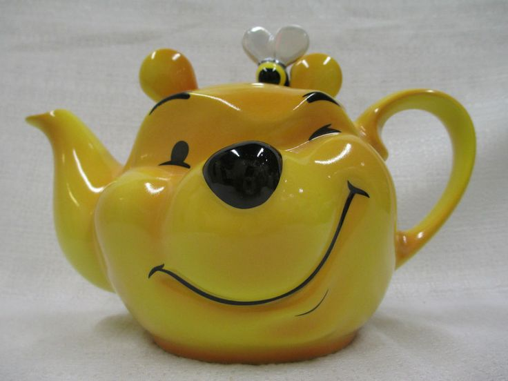 Walt Disney Character Teapot Collection Large Winnie the Pooh Face Cardew Design