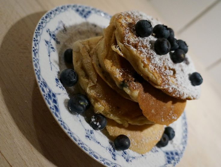 American blueberry pancakes // Amerikanske pandekager med blåbær. http://www.kathrinerostrup.dk/2013/01/amerikanske-pandekager-med-blabaer/