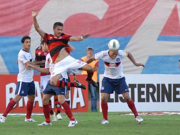 Já o Bahia, 18º colocado, permanece na zona de rebaixamento  Foto: Romildo de Jesus/Lancepress!