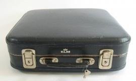 KLM koffertje als schooltas op de middelbare school