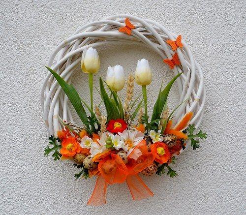 s tulipány a křepelčími vajíčky...velikonoční věne