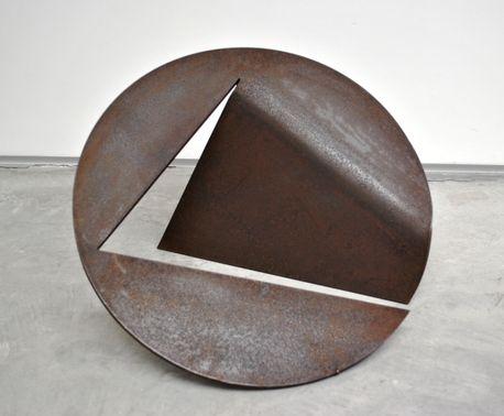 Amilcar de Castro - CDR-12 - ø50x1,2cm - Déc. 90 - Escultura em aço corten