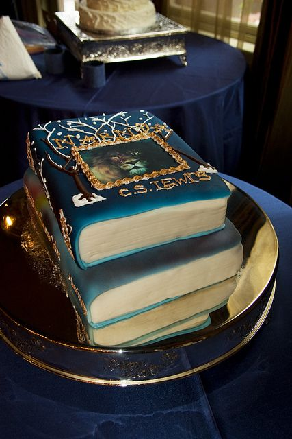 Narnia cake! LOVE IT! It's books AND Narnia!!