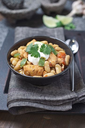 White Bean Chicken Chili | Bob's Red Mill Use veg. broth and chick substitute in this.