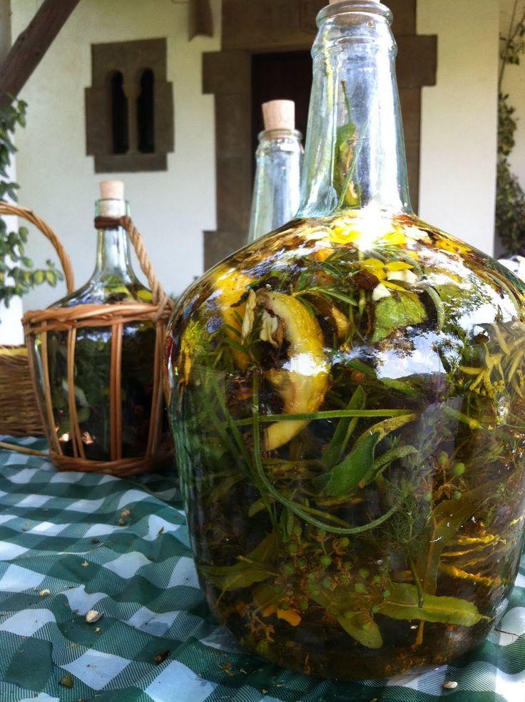 Ratafia,  maceració d' herbes , licor casolà Català