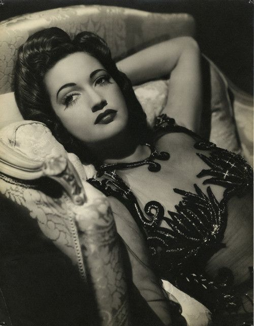 Oh Dorothy Lamour, you goddess, you!