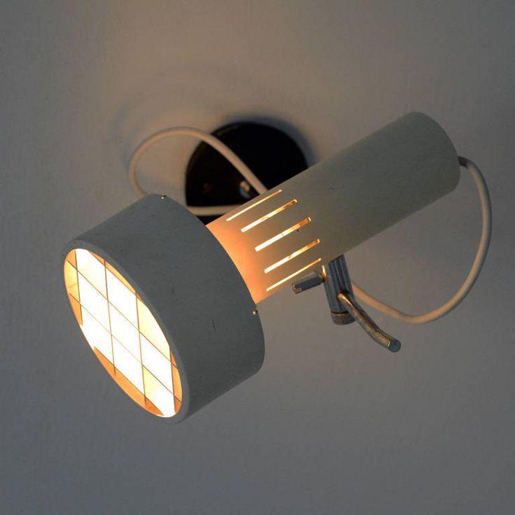 Alain Richard; Enameled and Chromed Metal Wall Light for Disderot, 1958.