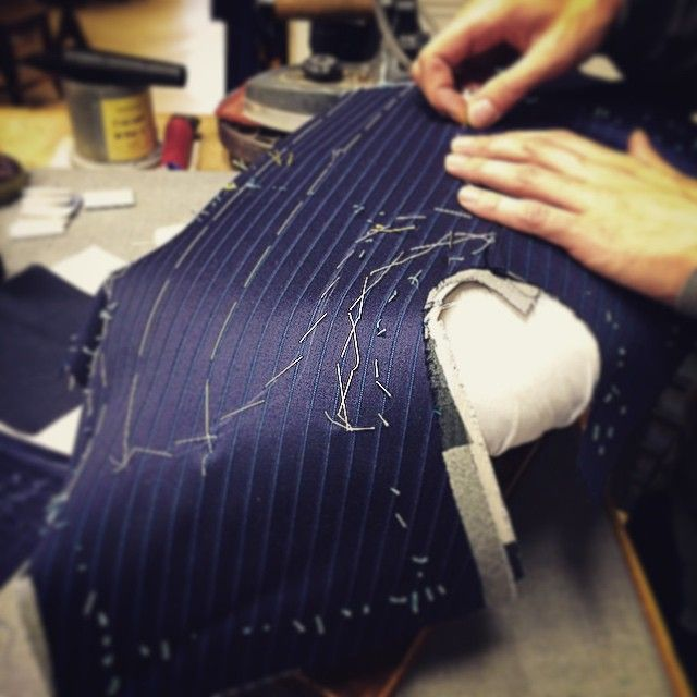 Beginning of the construction of a jacket camps de luca #CampsdeLuca #tailor…