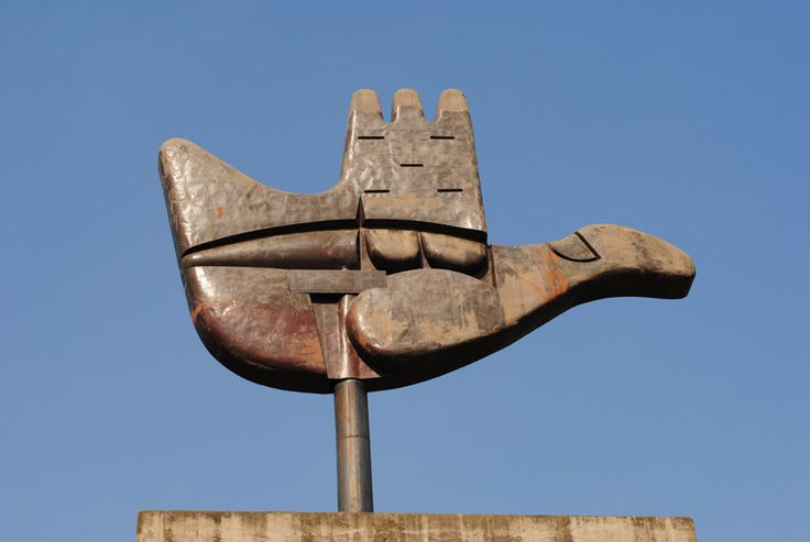 the open hand monument by le corbusier