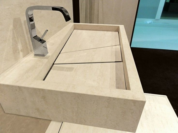 lavabo de mármol travertino de color beige