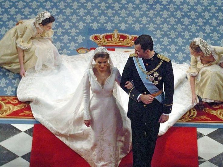 Un modelo de Pertegaz, fue el elegido por Letizia Ortiz, para su matrimonio con el principe Felipe de Asturias