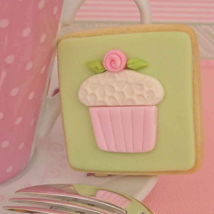 Iced Shortcake Cookies❥ via  #martablasco ❥ http://pinterest.com/martablasco/