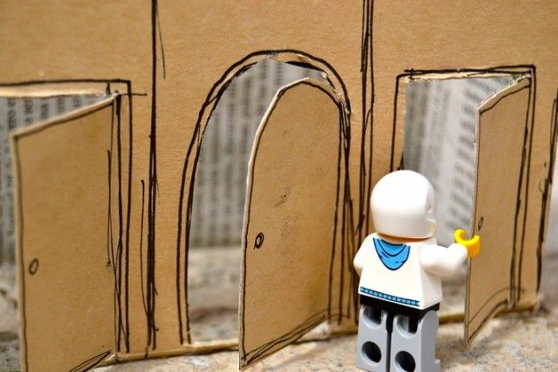 Box House Craft with Lego Figures. Cool!