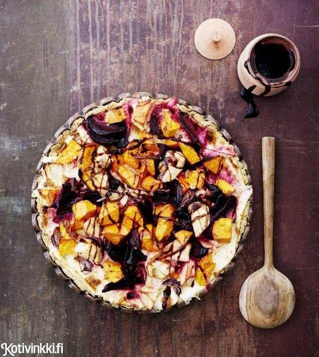 Juurespiirakka ja pähkinäinen piirakkataikina | Kotivinkki Text: Suvi Rüster Pic: Sami Repo #pie #beetroot #sweetpotato #rootvegetablepie #rootvegetables