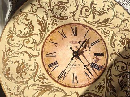 Купить или заказать Настенные часы Вальс Французская ваниль в интернет-магазине на Ярмарке Мастеров. Настенные часы, декупаж, объемное декорирование, золочение жидкой поталью. Толщина часов 1,6 см, выемка для механизма для полного прилежания часов к стене, подвес. Часы сделаны на заказ,с удовольствием повторю. Авторские, эксклюзивные настенные часы ручной работы в духе благородной роскошной классики.