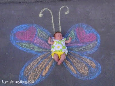 butterfly baby: Butterflies Baby, Photos Ideas, Chalk Parties, Sidewalk Chalk, Awesome Photos, Butterflies Girls, Baby Photos, Chalk Art, Baby Butterflies
