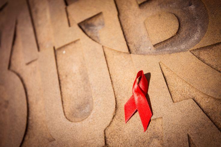 Le 1er décembre, Sidaction organise de nombreuses actions en coordination avec notre réseau de partenaires et de nombreux bénévoles. #Sida #WorldAIDSDay #JMS2015