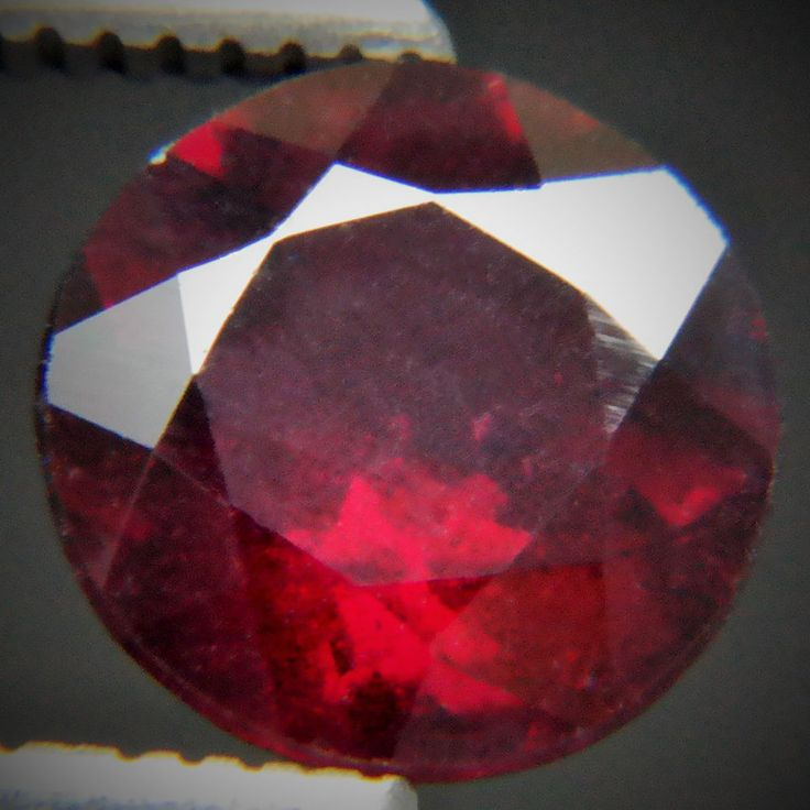 2.07ct Bewitching Red Color! Excellent Round Cut 8 mm Top Natural Red Garnet