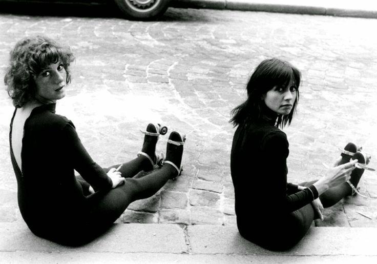 Dominique Labourier and Juliet Berto on the set of 'Celine and Julie Go Boating' (Céline et Julie vont en bateau) - Jacques Rivette, 1974