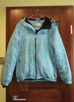 Kup mój przedmiot na #vintedpl http://www.vinted.pl/damska-odziez/kurtki/1290064-niebieska-zimowa-kurtka-umbro