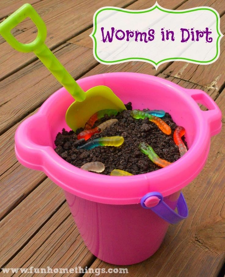 We love Worms in Dirt. I usually just make it in a big Tupperware bowl for my daughter and her friends, but when we passed this beach pail and shovel set the other day, the wheels got turning and t…
