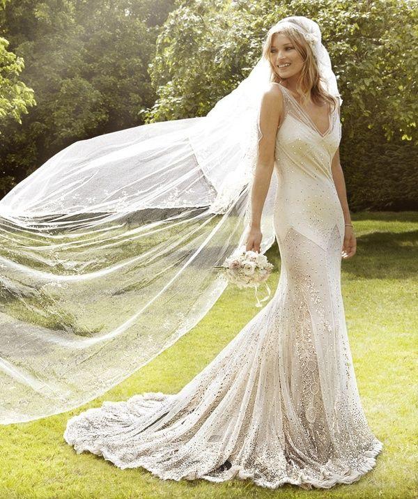 Kate Moss in een prachtige 20's stijl jurk en sluier #bruiloft #wedspiration #20's