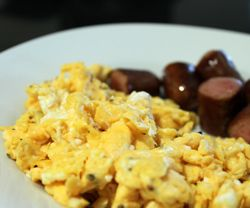 Røræg (scrambled eggs) opskrift
