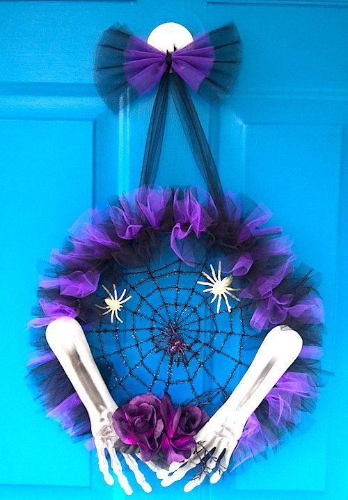 halloween tulle spider wreath tutorial bring a cute and scary appeal to your front door