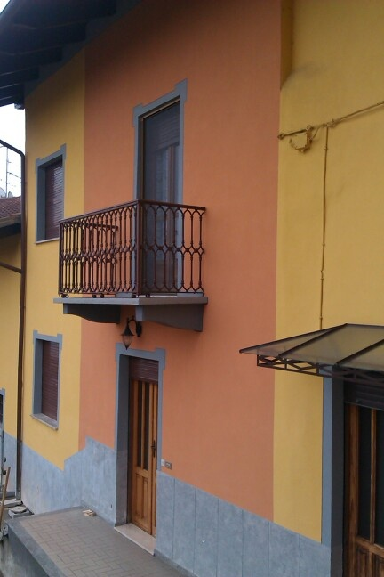 Tinteggiatura facciata bicolore prodotto silossano oikos
