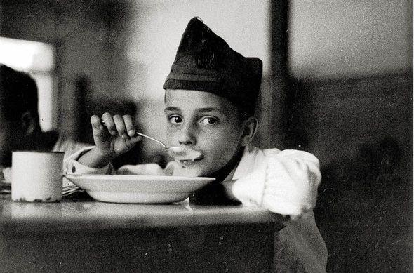 """Hauptmotiv  Spanischer  Bürgerkrieg:  Waisenkind  1936     Foto: ICP (2) aus dem Buch """"gerda Taro / Steidl-Verlag"""