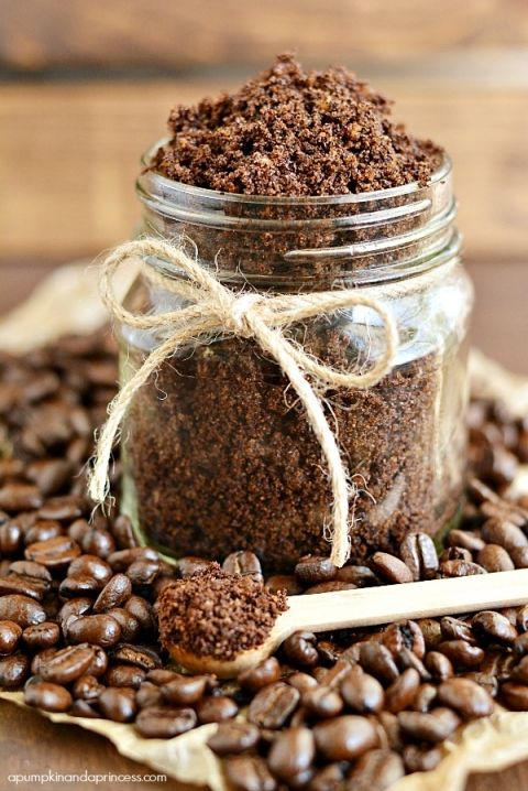 Homemade Coffee Sugar Scrub | great for reducing the appearance of stretch marks and cellulite