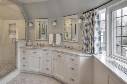 Beautiful #Marble # Bathroom! Visit us at www.fordhammarble.com to see what custom marble bathroom we can help you design!!