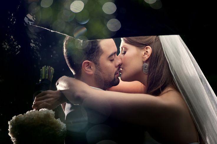Vancouver wedding photography rain wedding