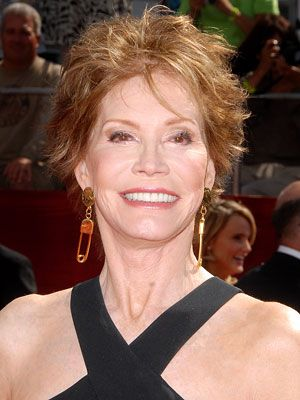 Mary Tyler Moore  Now in her 70s, actress Mary Tyler Moore has always used her fame to help raise funds and awareness for diabetes. Best known for her roles in The Mary Tyler Moore Show and The Dick Van Dyke Show, she was diagnosed at age 33 with type 1 diabetes. Since then, she's become the international chairwoman of the Juvenile Diabetes Research Foundation. In early 2009, Moore released a new book called Growing Up Again, which shares her story of life with diabetes.
