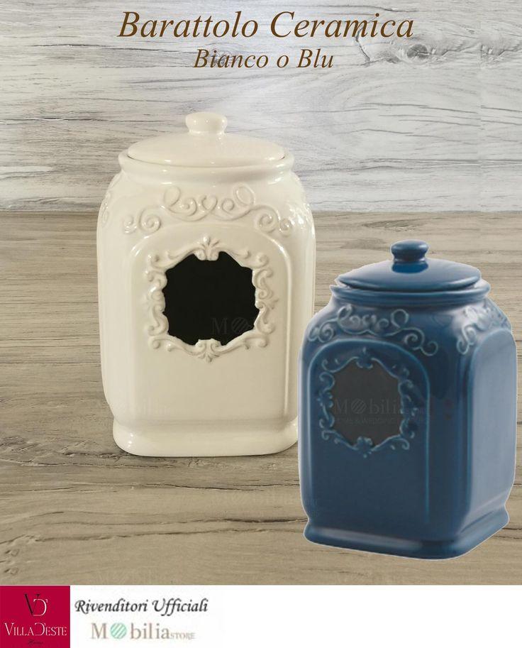 Barattolo Ceramica Villa d'Este, in 2 colori: bianco o blu, ottimo per arredare la vostra cucina in modo unico e speciale, con dei bellissimi decori in rilievo e al centro una particolare lavagnetta nera. In promozione