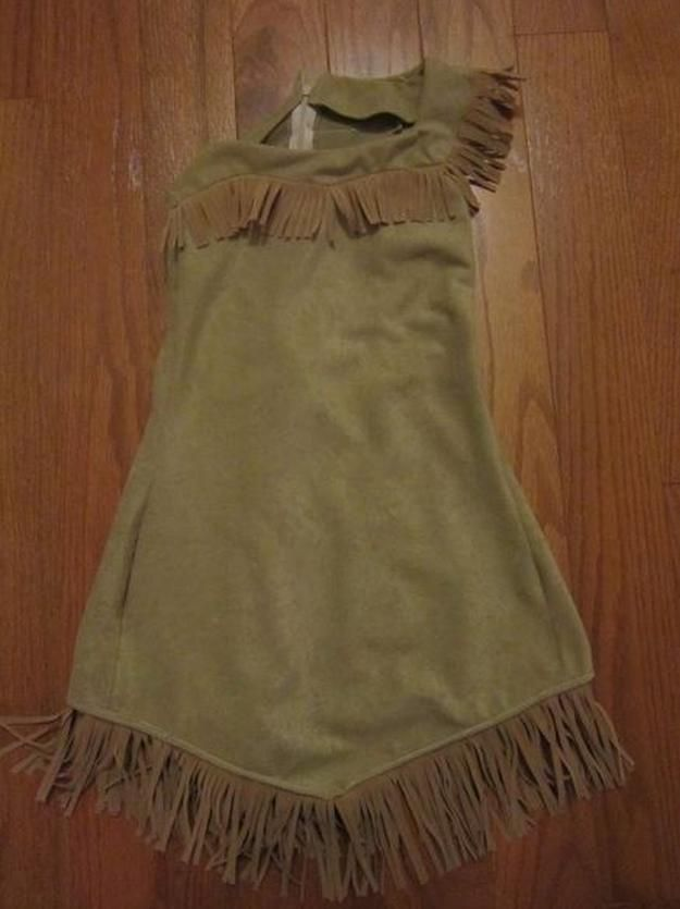 Easy Kids Pocahontas Costume Idea | Easy And Sexy Costume For Girls by DIY Ready at http://diyready.com/diy-pocahontas-costume-ideas/