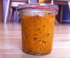 Rezept Tomatenaufstrich mit Basilikum und Sonnenblumenkernen - Rezept aus der Kategorie Saucen/Dips/Brotaufstriche