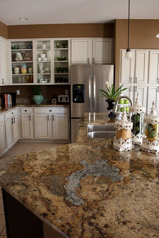 Choosing granite countertop colors for cherry wood for Floors to match cherry cabinets