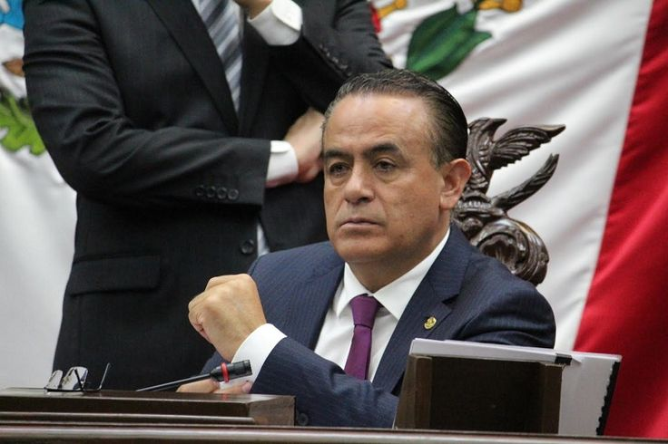 El presidente del Congreso de Michoacán manifestó que la corrupción es un factor que opaca el crecimiento del estado, altera el Estado de Derecho, trastoca la paz social, debilita las ...