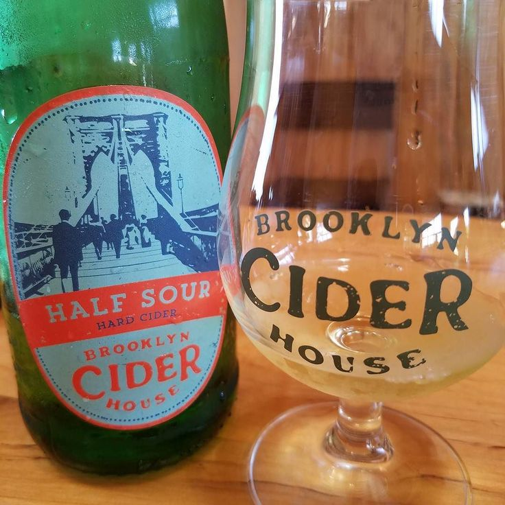 Tasting the #1 cider in the #hudsonvalley fermented 6 to 8 months in stainless steel. 5.8% alcohol#hardcider #cider