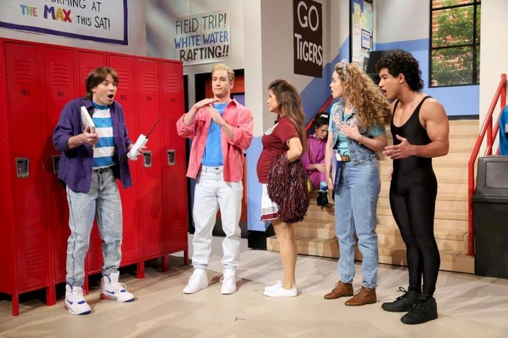 #JimmyFallon Goes to #BaysideHigh as the Cast of #SavedByTheBell Reunites!   #SavedByTheBellReunion   The Tonight Show host made his way to Bayside high school joining Zack, A.C., Jessie and Kelly ... and even Mr. Belding! Click the link below to check out the video...#OooLaLaBlog