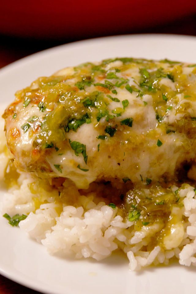 Baked Salsa Verde Chicken ~ substitute cauliflower rice or mash for the white rice to make low carb.