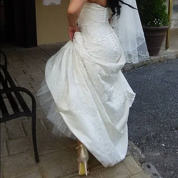 New Additional pictures for the listing Beautiful Wedding DressBeautiful