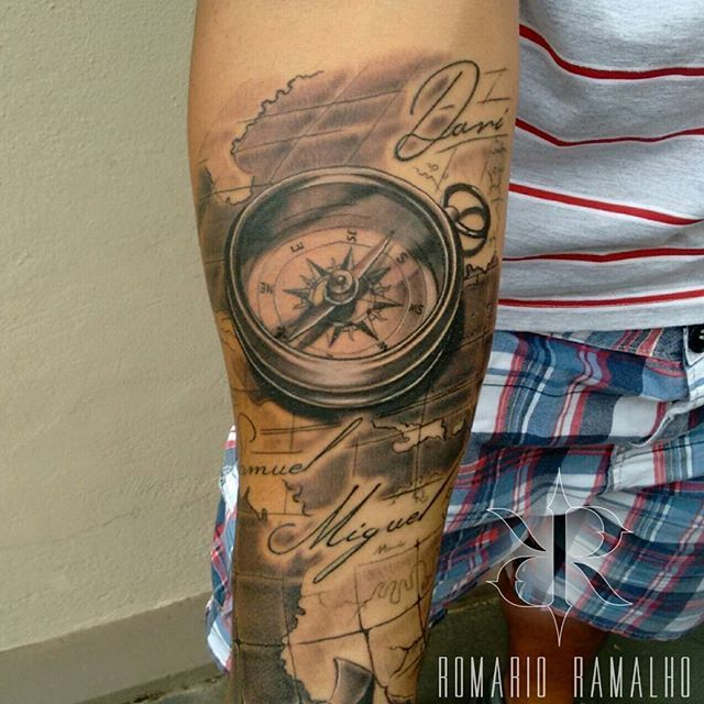 Best 25 bussola tattoo ideas on pinterest compass for Tatoo bussola