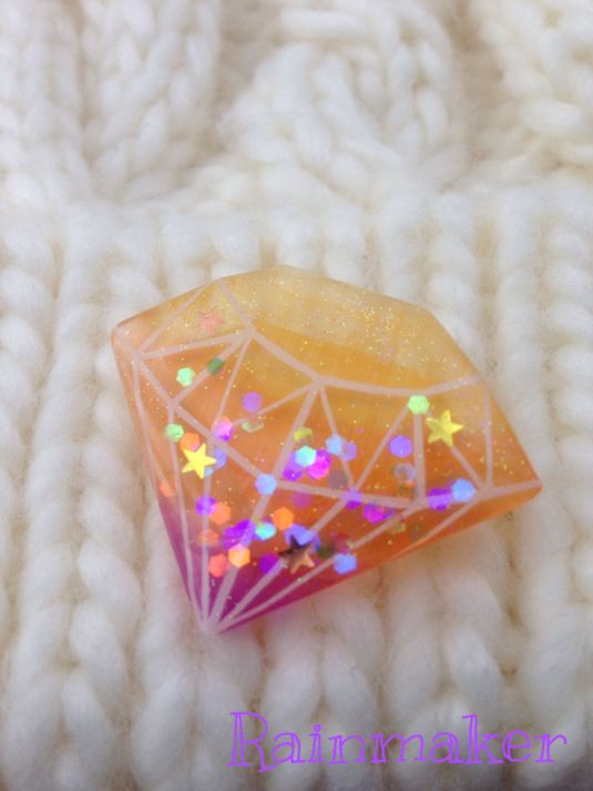 ★プラバンブローチ★ハロウィンカラーのダイヤモンド