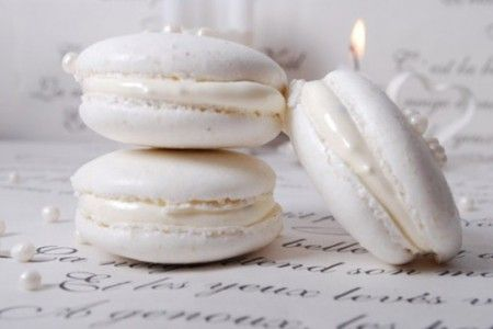 Luxurious Pearly White French Macarons