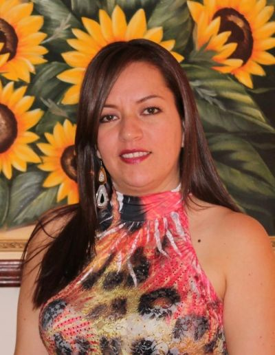 Esperanza Rojas Rojas - CustomersPlus4u.com