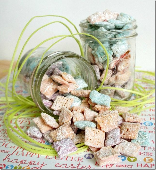 Easter Muddy Buddy Mix | Easter Recipe Ideas | Mason Jar Recipe & Craft Ideas for Easter @ Mason Jar Crafts Love