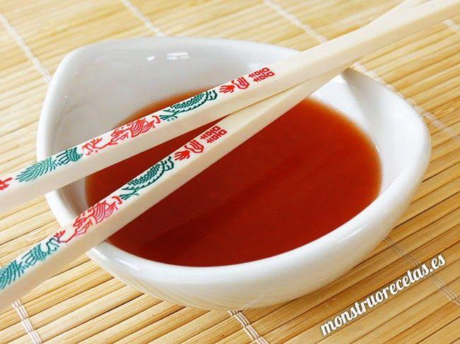 Receta fácil de salsa agridulce china - http://www.monstruorecetas.es/2015/03/salsa-agridulce-china.html